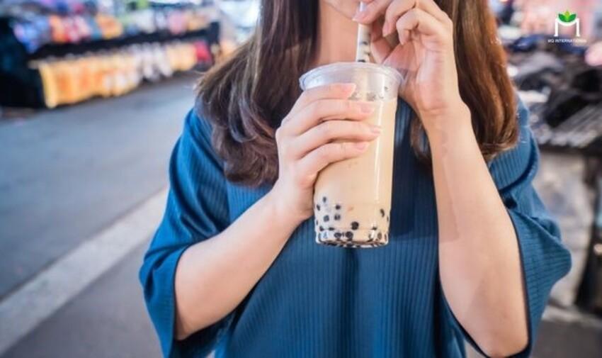 """Cơn """"nghiện"""" trà sữa của giới trẻ chưa có dấu hiệu giảm sút"""